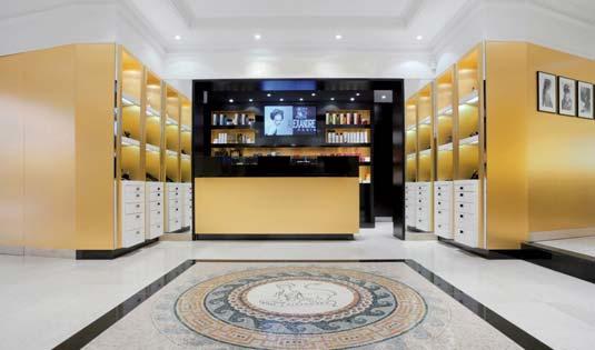 alexandre de paris le 3 adresse de choix biblond pour les coiffeurs. Black Bedroom Furniture Sets. Home Design Ideas
