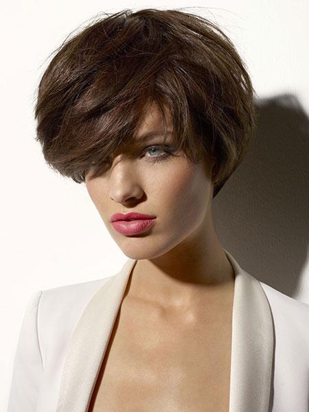 Style boyish romantique de vog biblond - Coupe courte effilee 2013 ...