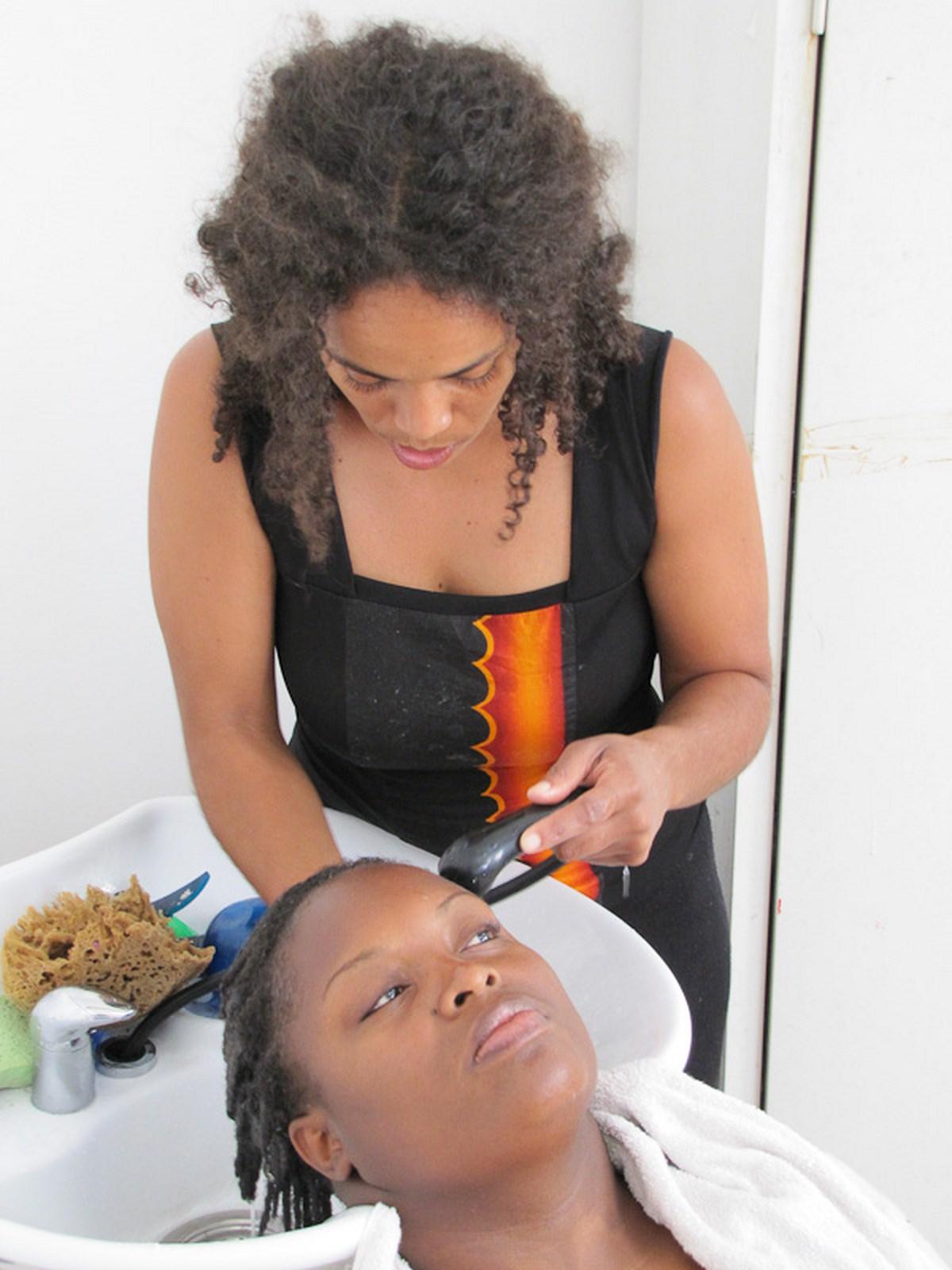 apprendre coiffer les cheveux cr pus biblond. Black Bedroom Furniture Sets. Home Design Ideas