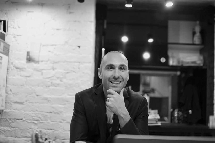 Nicolas henry coiffeur en sein du salon alexandre henry for Salon de coiffure alexandre henry