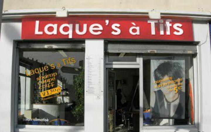 Top 10 des noms de salons de coiffure en hair versus les noms de salons en tifs - Image de salon de coiffure ...