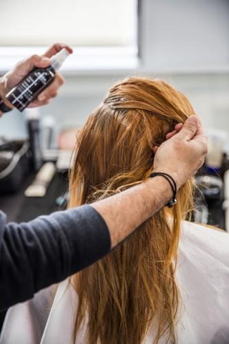 Aveda---Rock-N'-Roll-Hair-step-by-step_étape1_web