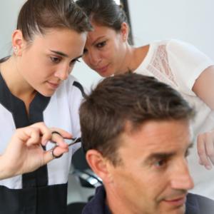 Au CREUX de la coiffure N°10: Votre apprenti est l'avenir de la profession