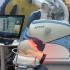 Un robot qui assiste la greffe de cheveux !