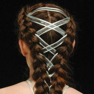 Corset Braid, la nouvelle tendance coiffure qui enflamme le web
