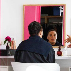 Des salons de beauté s'occupent des migrantes