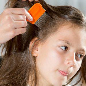 Un salon de coiffure spécialisé dans les poux !