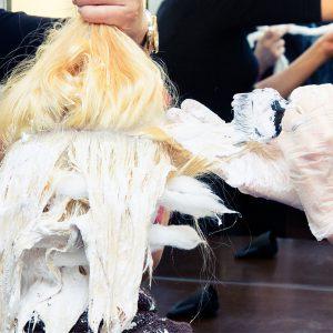 Les 7 étapes pour sauver les cheveux les plus abîmés