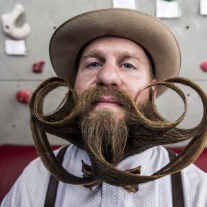 Pourquoi la barbe est-elle devenue incontournable ?