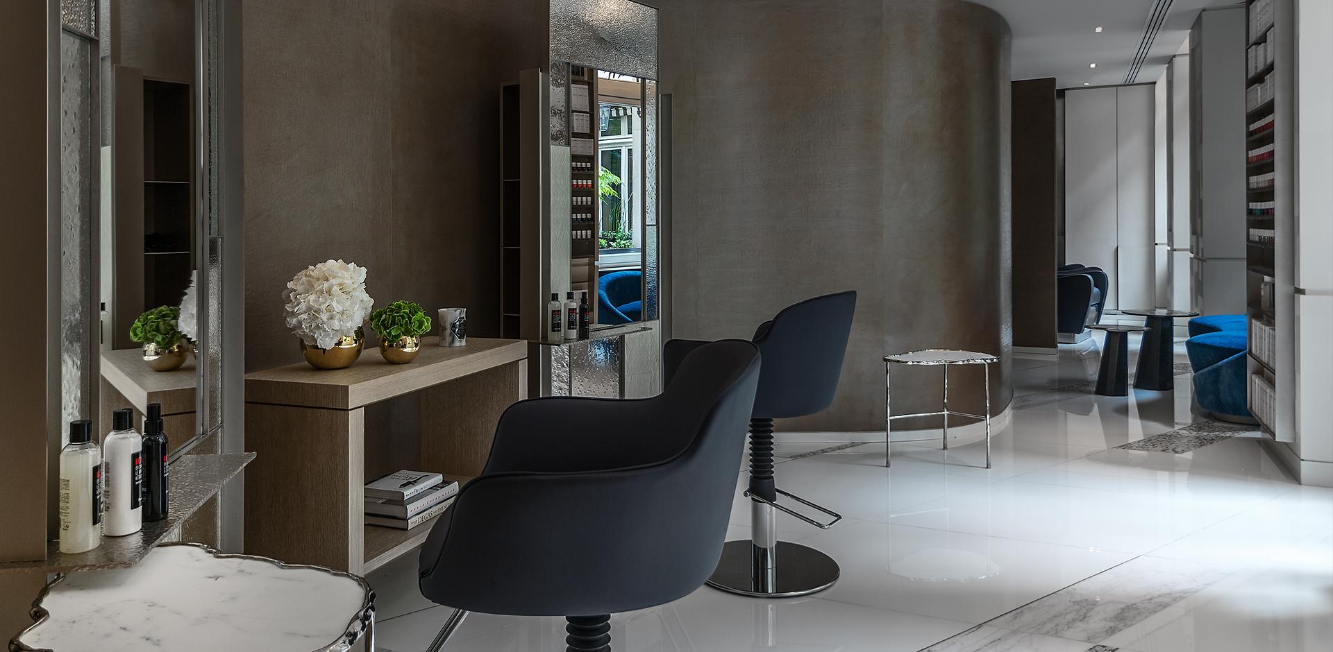 5 salons de coiffure install s dans des h tels de luxe - Salon de coiffure qui recherche apprenti ...