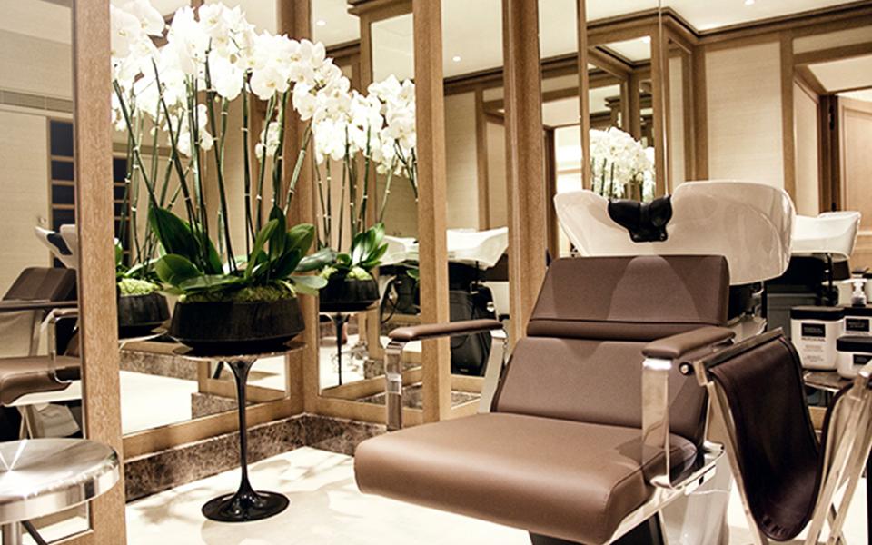 5 salons de coiffure install s dans des h tels de luxe biblond pour les coiffeurs. Black Bedroom Furniture Sets. Home Design Ideas