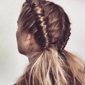 La tendance Pipe Hair Braid, une coiffure pour les femmes