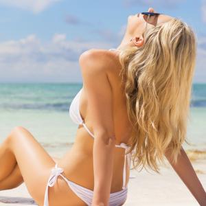 Les produits pour cheveux à conseiller aux clientes pour l'été