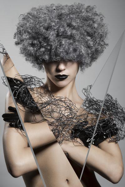 Coiffure : Felicitas Ordas, photographe :  Esteban Roca, maquillage : Nacho Sanz, produits : Revlon Professional