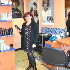 Le salon de coiffure, un lieu de vie à préserver