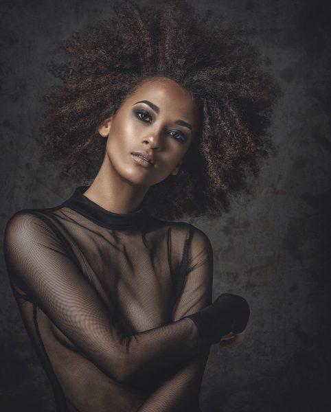 Coiffure : Colin McAndrew @ Medusa, maquillage : Ingrid Perignia, stylisme : Medusa, photographe : Jarred