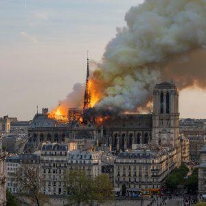 Une coiffeuse se mobilise pour Notre-Dame de Paris