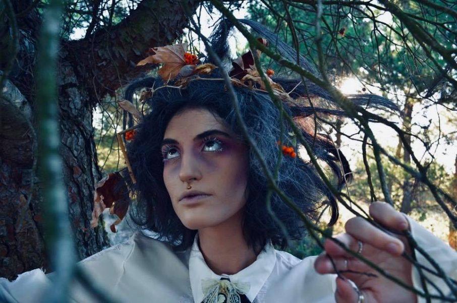 coiffure, maquillage, accessoires, photos : Lucas Duforet