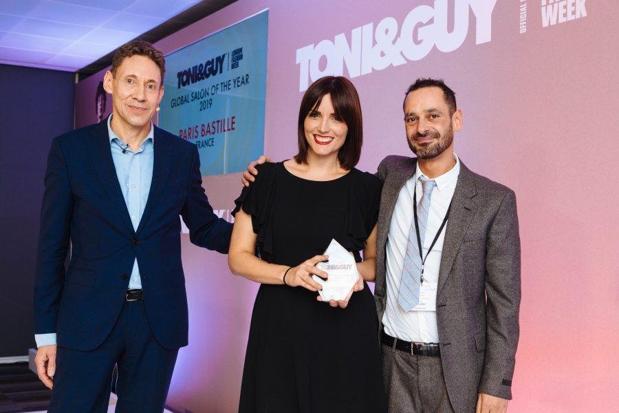 Jessica Bowes, entourée de Nigel Darwin (à gauche) et Christian Mascolo.