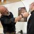 L'homme : Episode 1, mais qui rase le barbier ?
